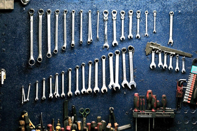 Værksted med en masse værktøj